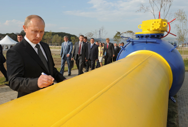 Europe is glued to energy-rich Russia